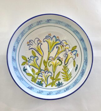 Bermuda Easter Lily Medium Bowl