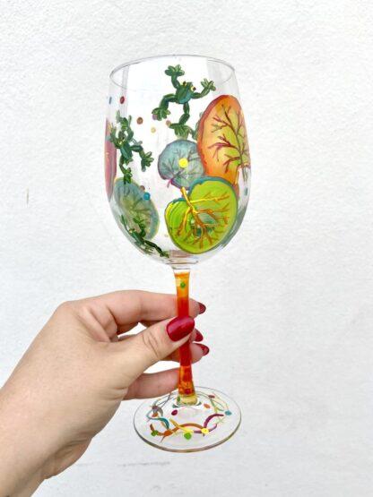 Bay Grape & Frog Wine Glass